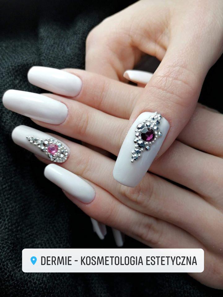 Manicure hybrydowy - biały - zdobienie - elegancki - Dermie Rzeszów
